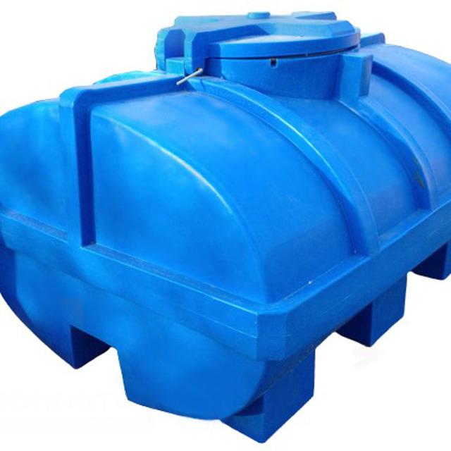 Емкость 3500 литров горизонтальная с люком
